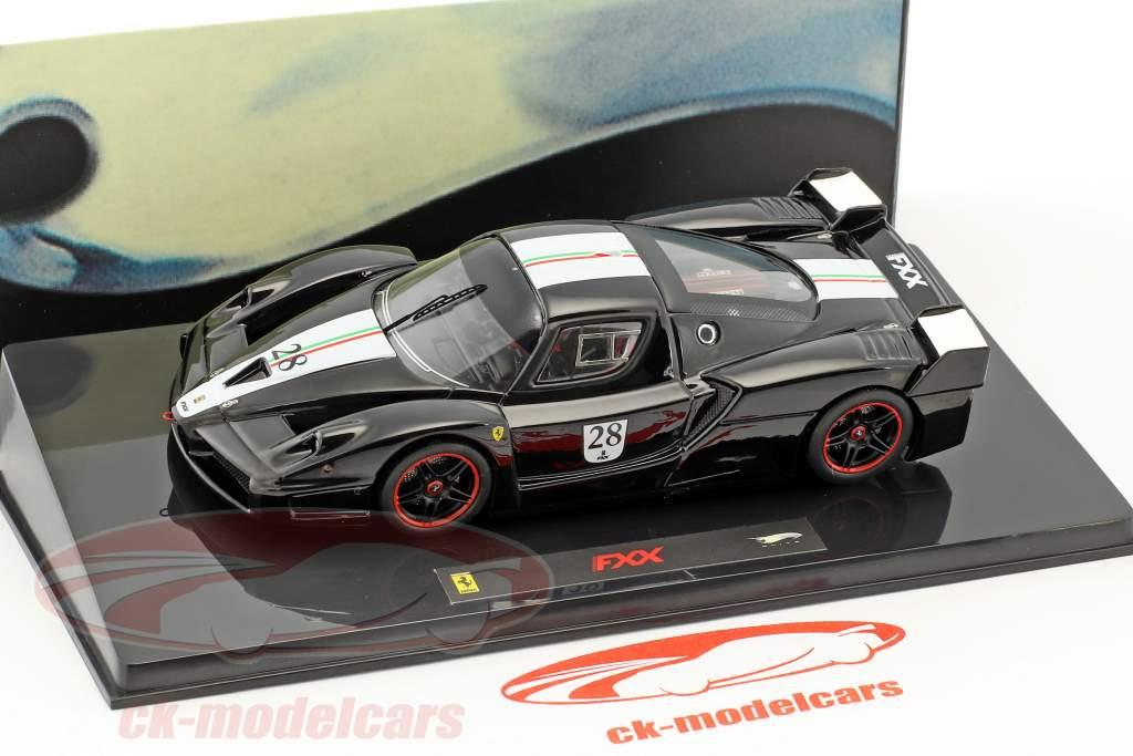 Ferrari FXX #28 año de construcción 2006 negro con italiano bandera 1:43 HotWheels Elite