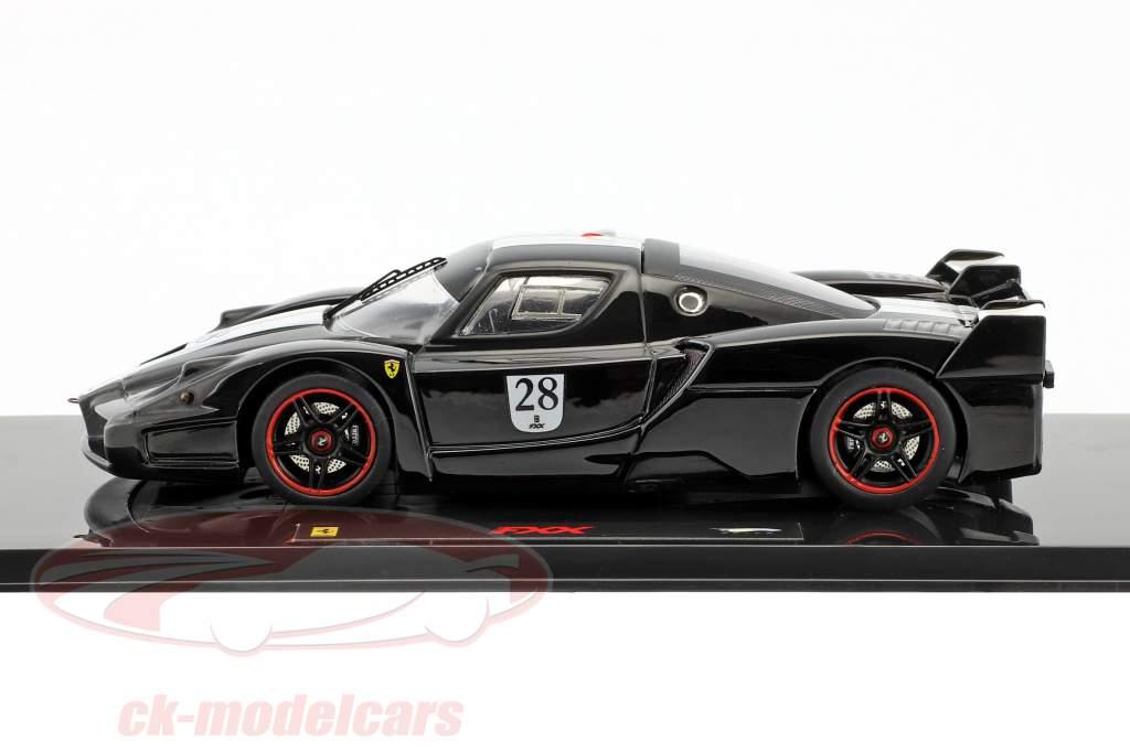 Ferrari FXX #28 Bouwjaar 2006 zwart met Italiaans vlag 1:43 HotWheels Elite