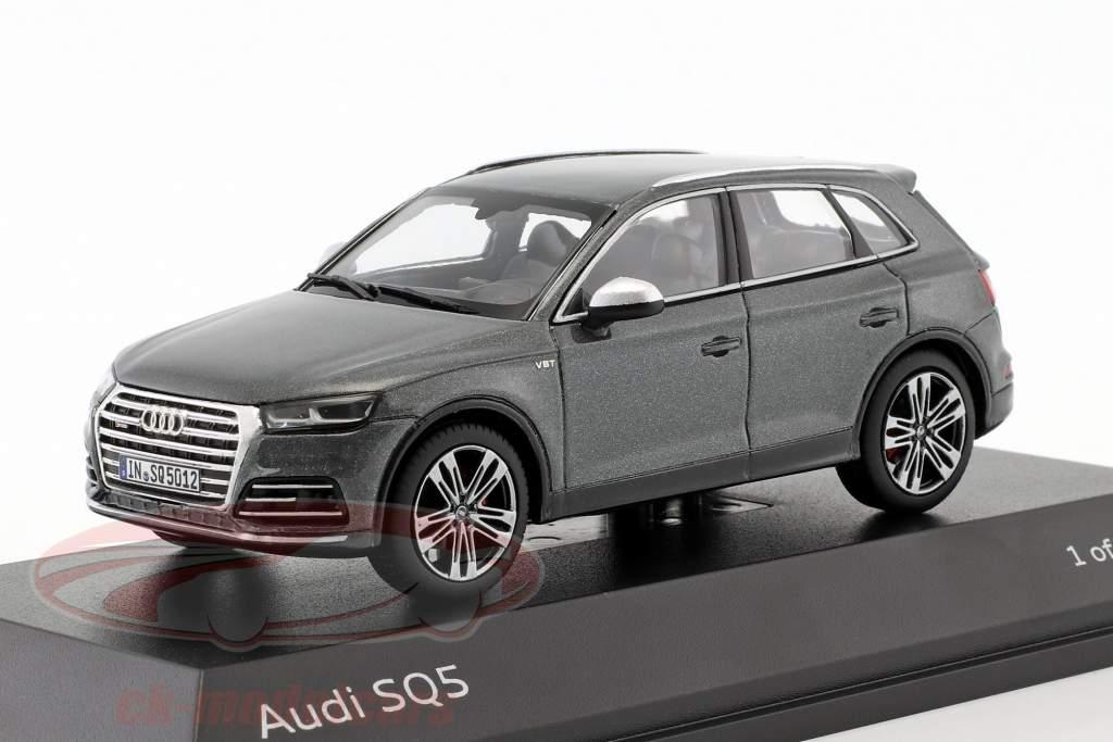 Audi SQ5 TFSI daytona gray 1:43 Paragon Models