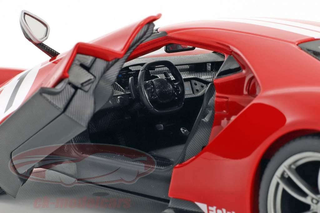 Ford GT #1 year 2017 red / white 1:18 Maisto
