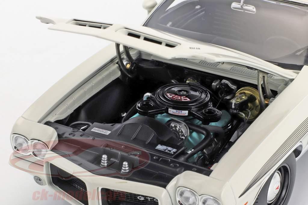 Pontiac LeMans GTO Baujahr 1972 weiß 1:18 GMP