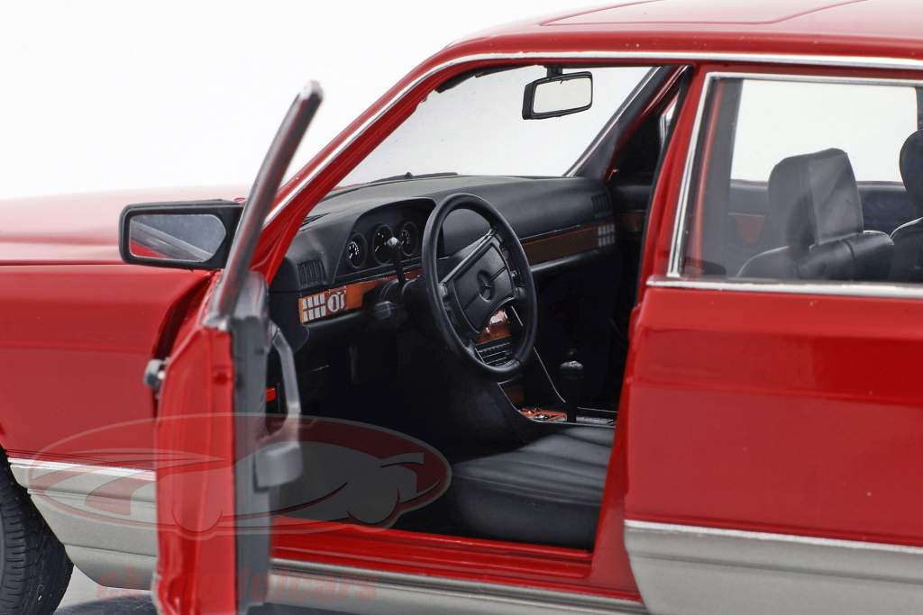 Mercedes-Benz 560 SEL W126 anno di costruzione 1987 rosso 1:18 Norev