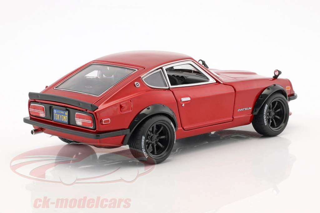 Datsun 240Z ano de construção 1971 Tokyo Mod vermelho metálico 1:18 Maisto