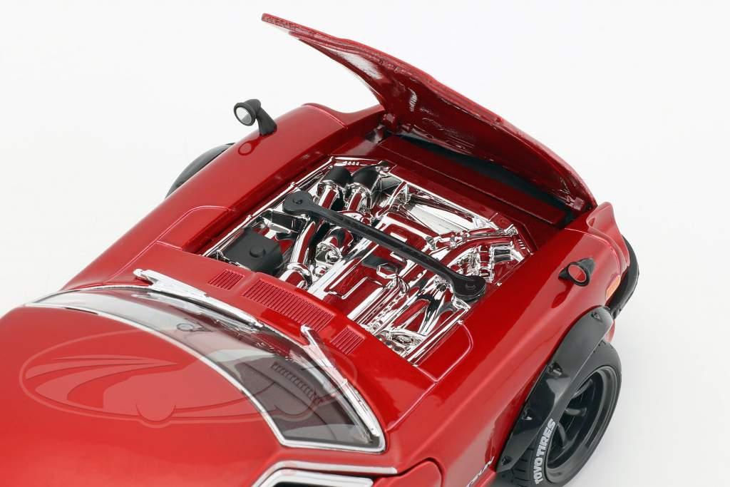 Datsun 240Z Opførselsår 1971 Tokyo Mod rød metallisk 1:18 Maisto