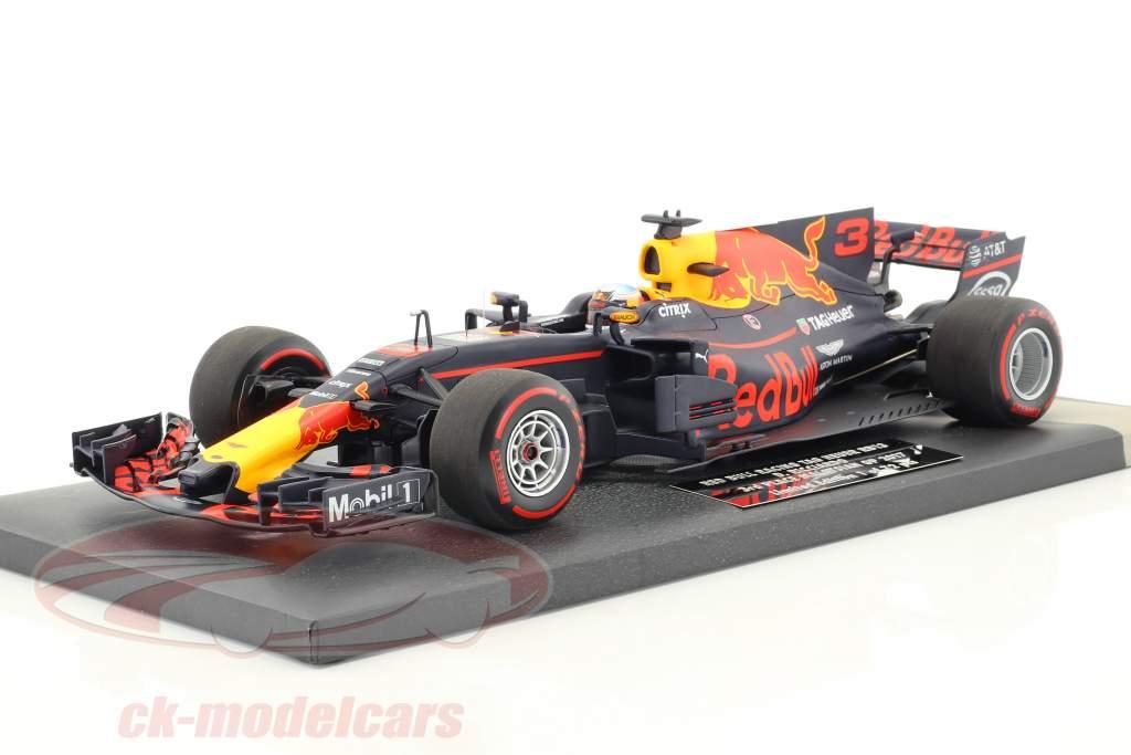 Daniel Ricciardo Red Bull RB13 #3 3rd Malaysian GP formula 1 2017 1:18 Minichamps