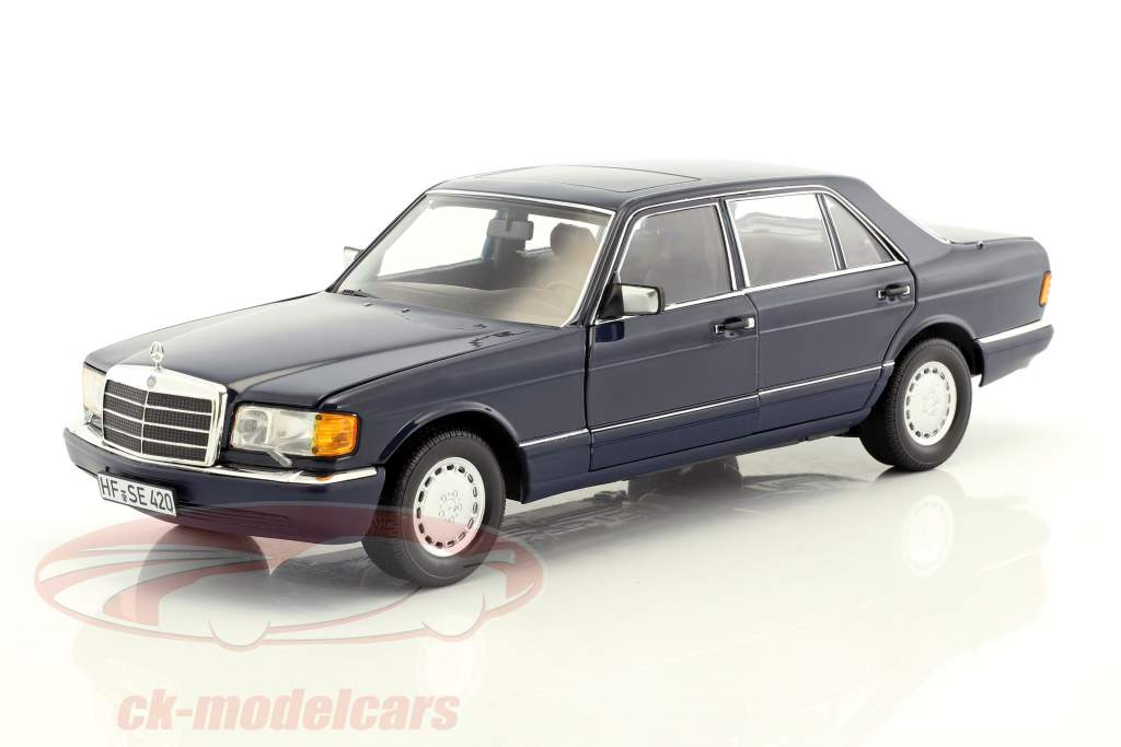 Mercedes-Benz 560 SEL W126 year 1991 dark blue 1:18 Norev