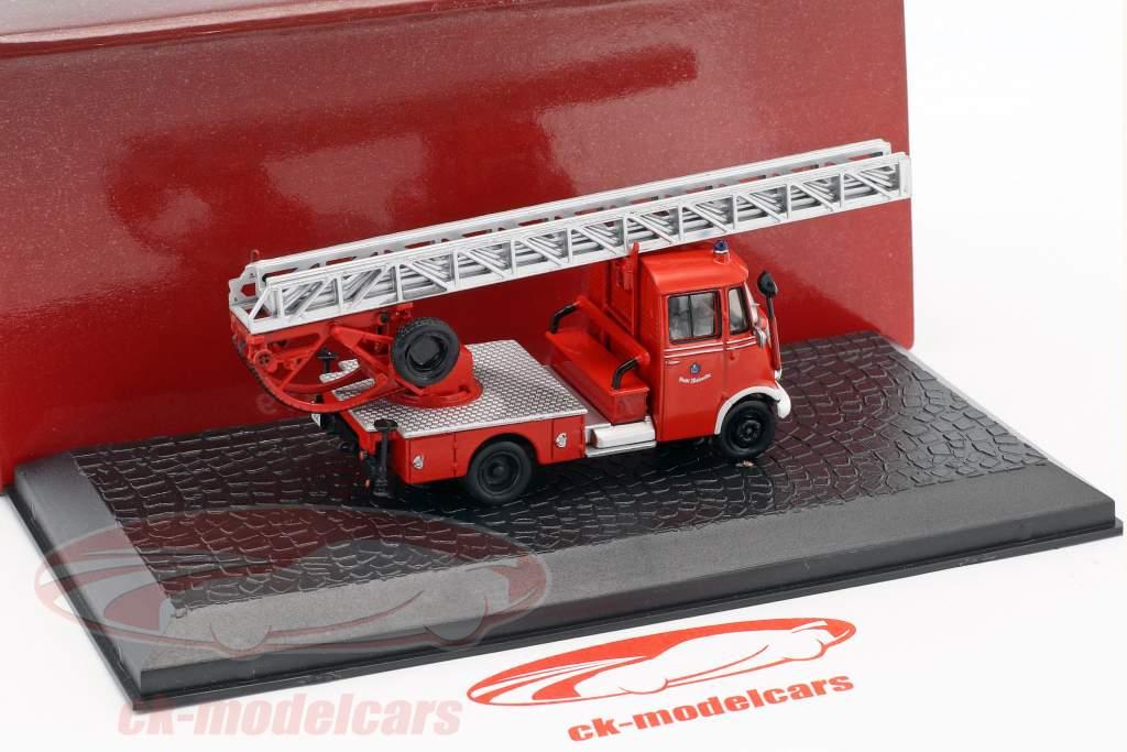 Mercedes-Benz L319 pompiers avec échelle année de construction 1961 rouge 1:72 Atlas