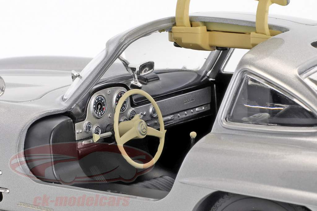 Mercedes-Benz 300 SL (W198) Gullwing Construction year 1955 silver metallic 1:18 Minichamps