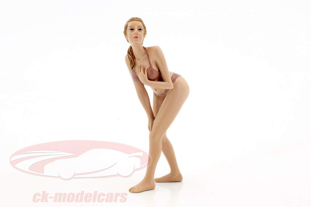 calendar Girl May in bikini 1:18 American Diorama