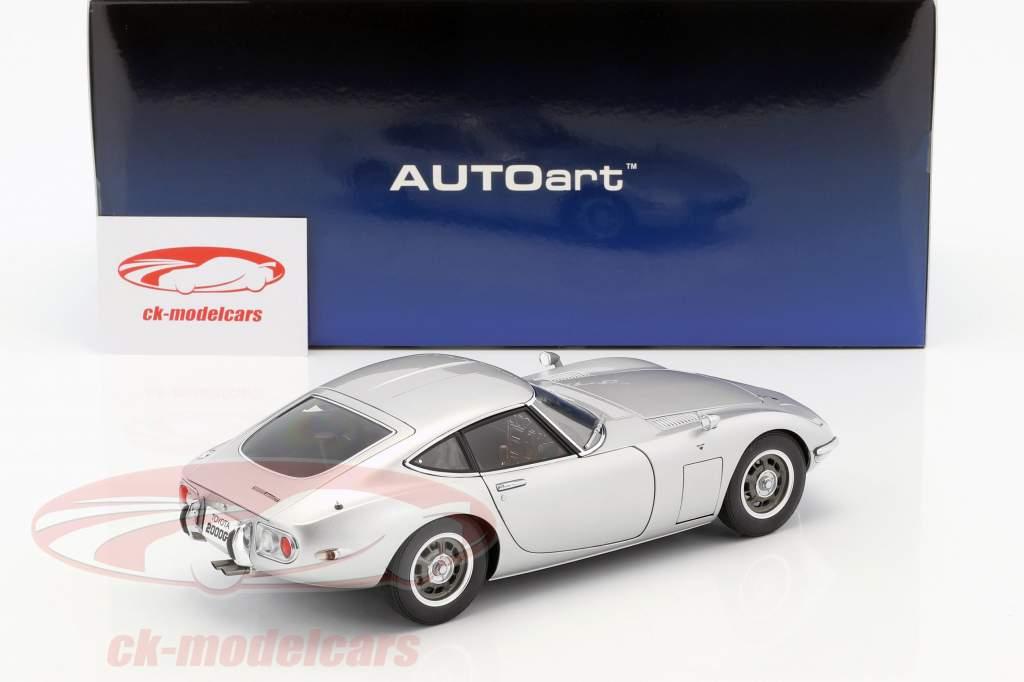 Toyota 2000 GT coupe año de construcción 1965 plata 1:18 AUTOart