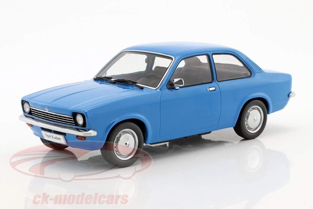 Opel Kadett C Limusina Año 1973-1977 azul 1:18 KK-Scale