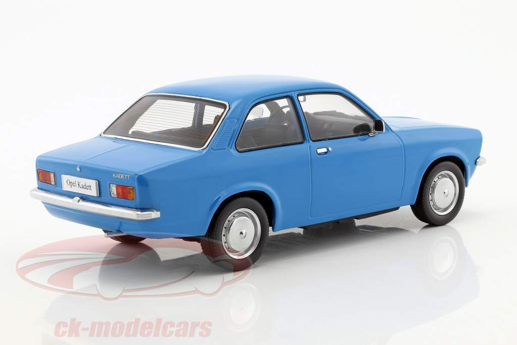 Opel Kadett C Limousine Jaar 1973-1977 blauw 1:18 KK-Scale