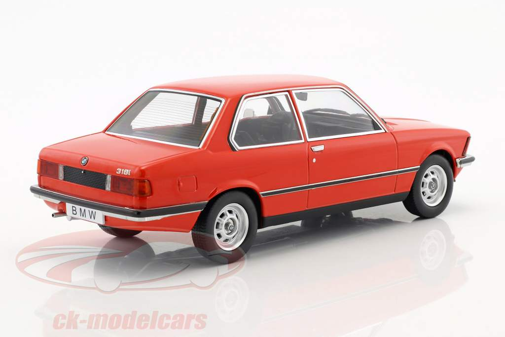 BMW 318i E21 jaar 1975 rood metalen 1:18 KK-Scale