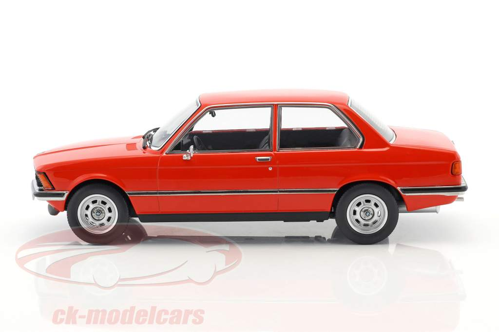 BMW 318i E21 año 1975 rojo metálico 1:18 KK-Scale