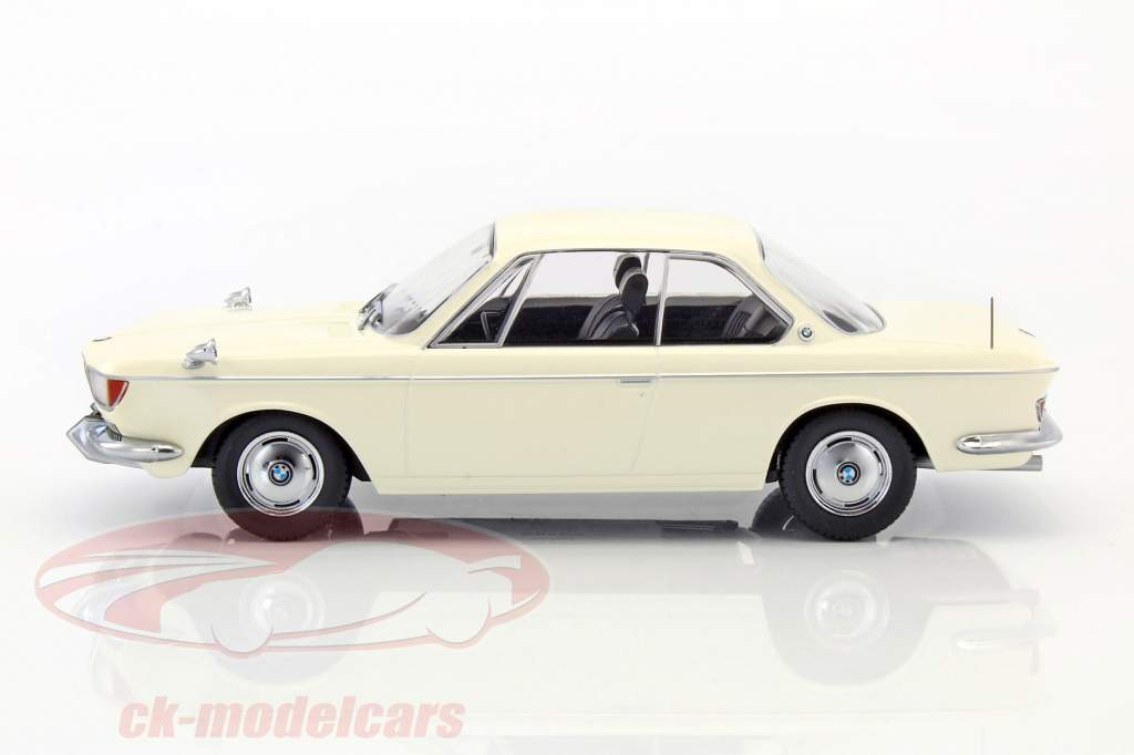 BMW 2000 CS coupe Opførselsår 1965 creme hvid 1:18 KK-Scale