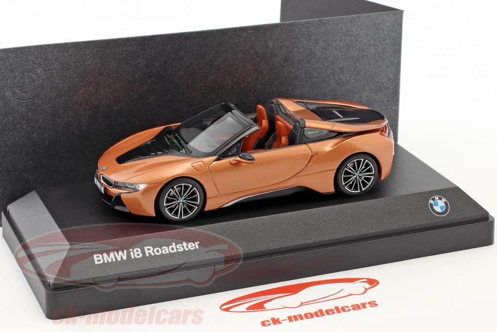 BMW i8 Roadster anno di costruzione 2018 rame metallico / nero 1:43 Minichamps