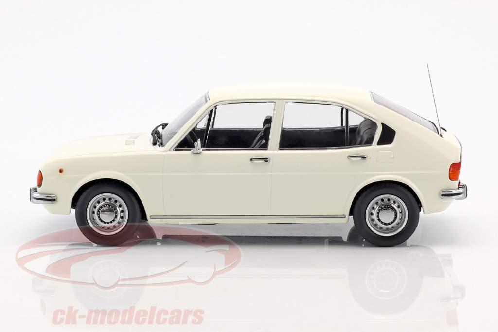 Alfa Romeo Alfasud År 1974 hvid 1:18 KK-Scale