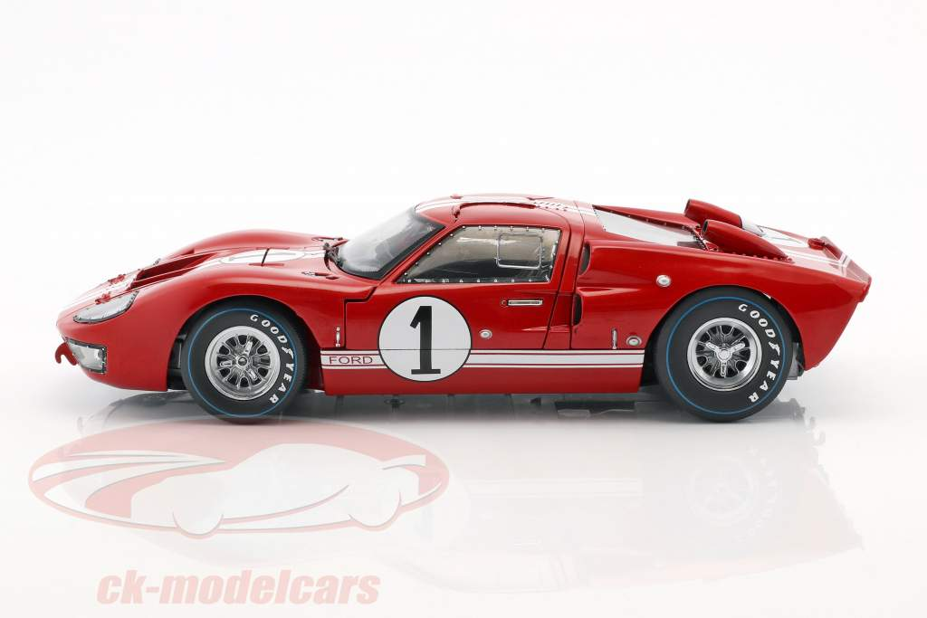 Ford GT-40 MK II #1 vencedor 12h Sebring 1966 Miles, Ruby 1:18 ShelbyCollectibles