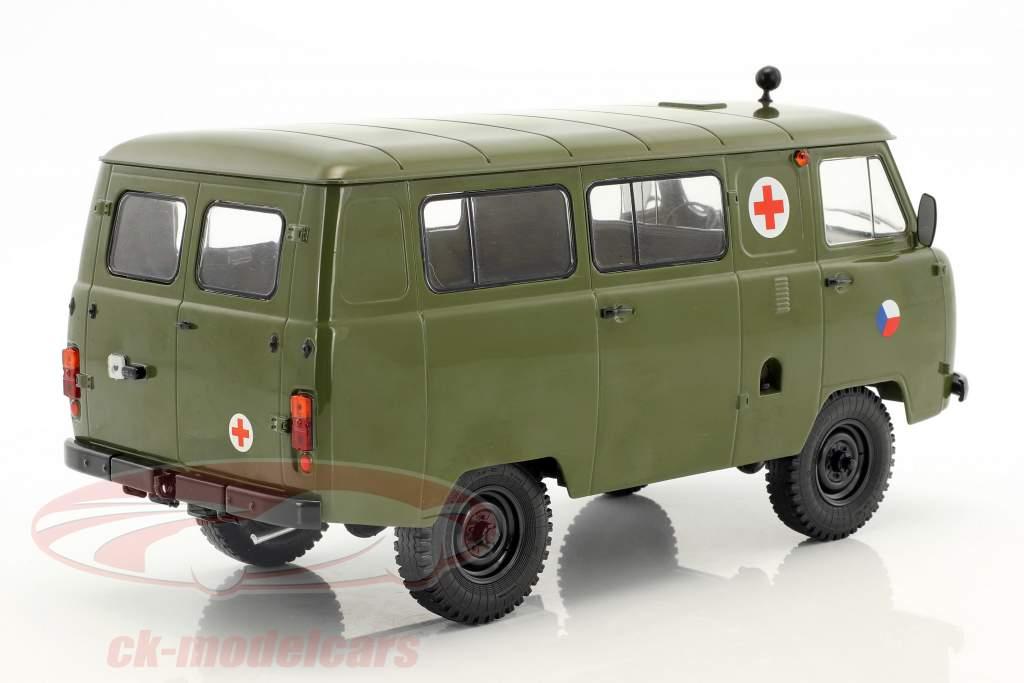 UAZ 452A (3962) ambulance CZ Army année de construction 1985 olive 1:18 Premium ClassiXXs