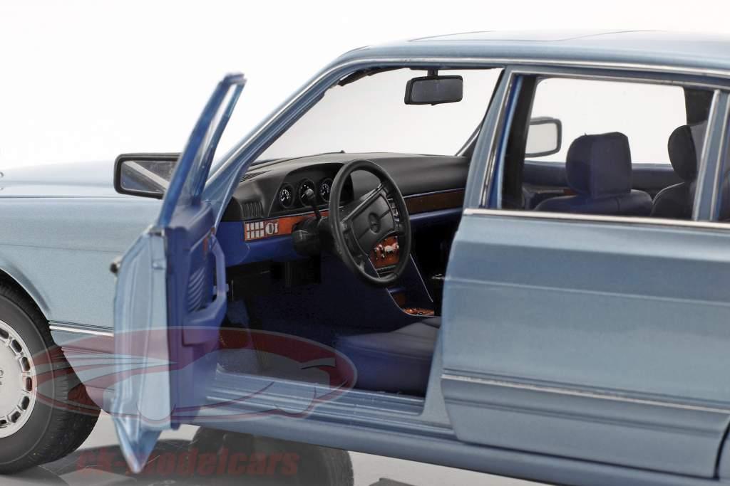 Mercedes-Benz 560 SEL (W126) year 1991 pearl blue metallic 1:18 Norev