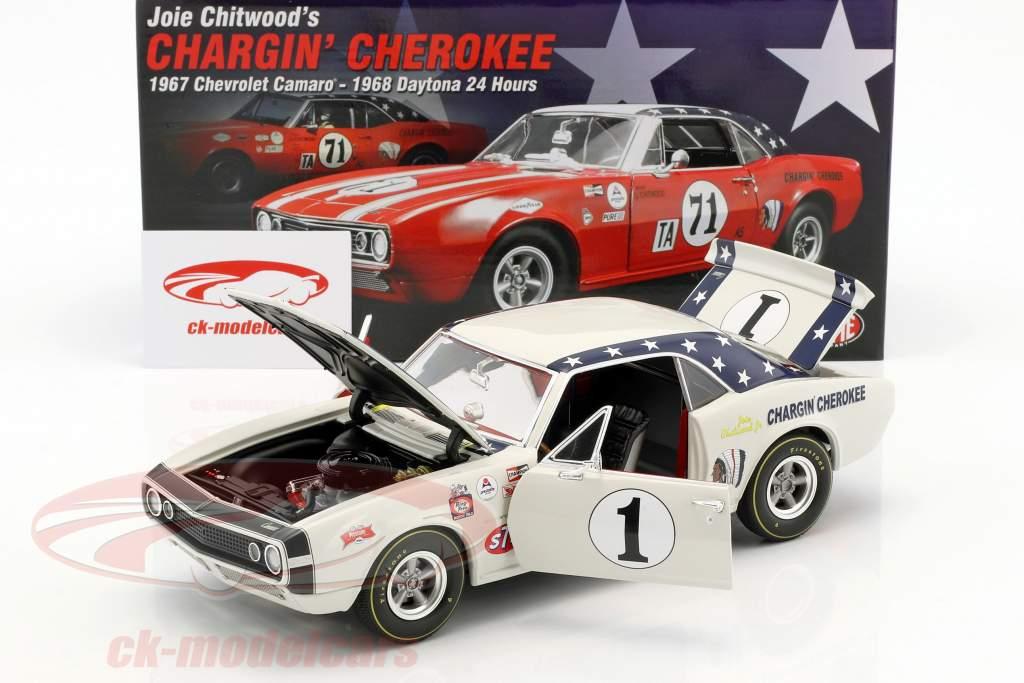 Chevrolet Camaro #1 Baujahr 1967 Joie Chitwood Chargin Cherokee weiß 1:18 GMP