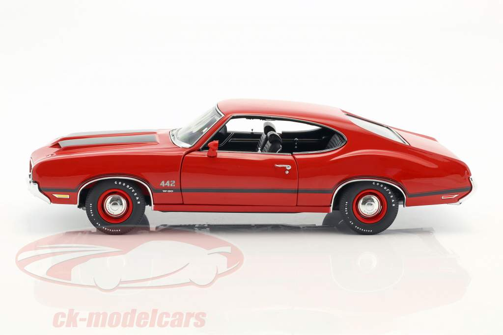 Oldsmobile 442 W-30 anno di costruzione 1970 matador rosso 1:18 GMP