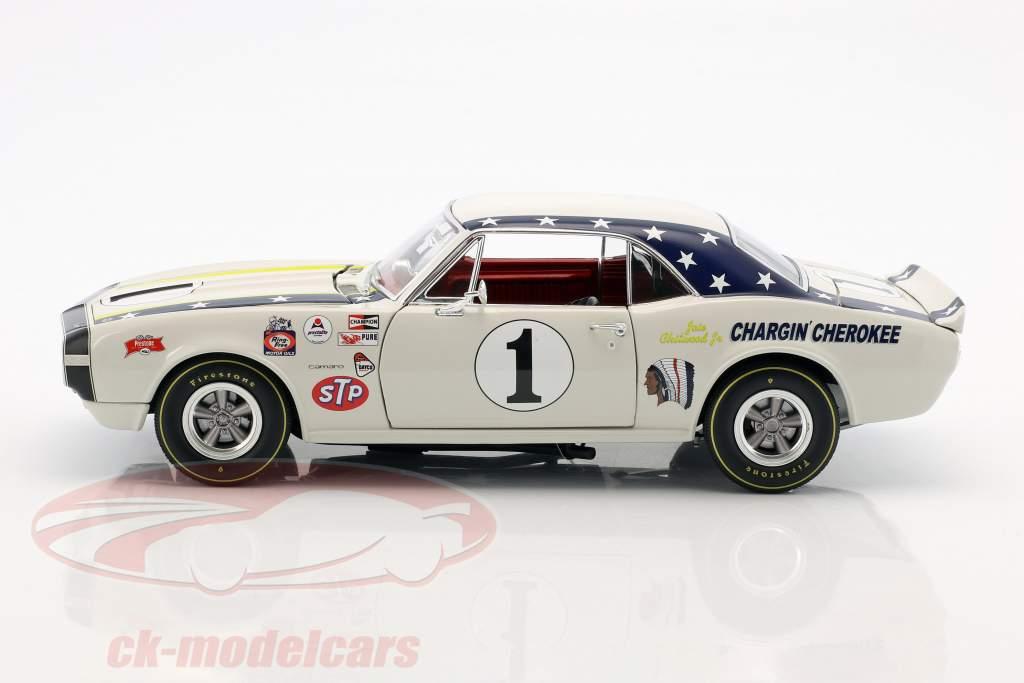 Chevrolet Camaro #1 année de construction 1967 Joie Chitwood Chargin Cherokee blanc 1:18 GMP