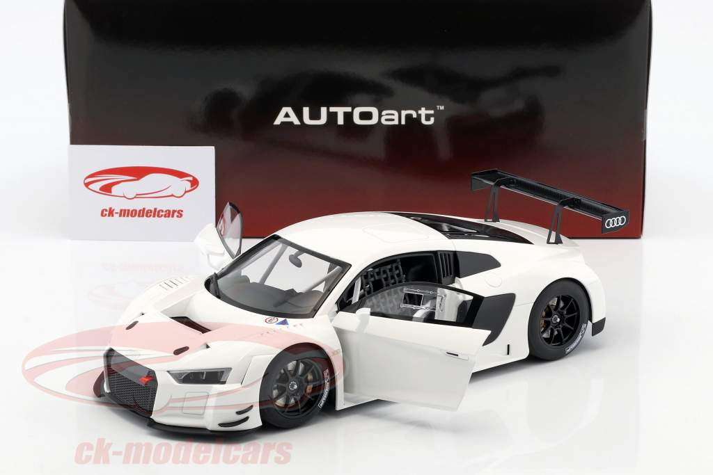 Audi R8 LMS Plain Body Version year 2016 white 1:18 AUTOart