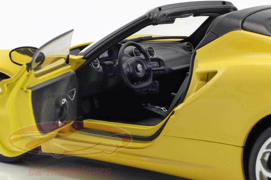 Alfa Romeo 4C Spider com removível topo ano de construção 2015 amarelo 1:18 AUTOart