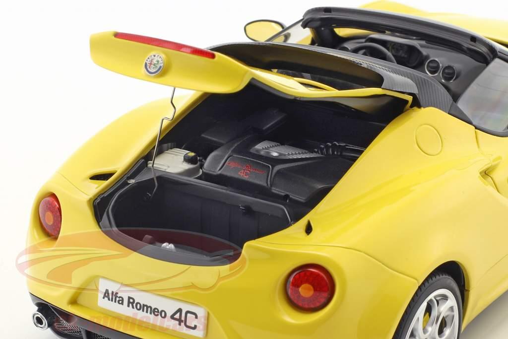 Alfa Romeo 4C Spider mit abnehmbarem Dach Baujahr 2015 gelb 1:18 AUTOart