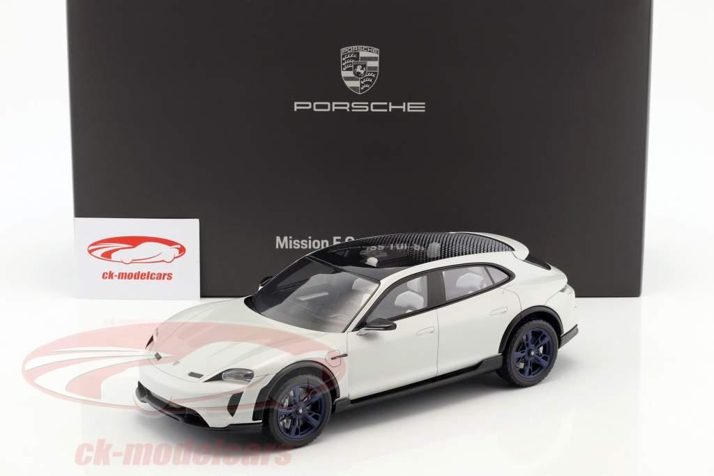 Porsche Mission E Cross Turismo Baujahr 2018 weiß-grau mit Vitrine 1:18 Spark