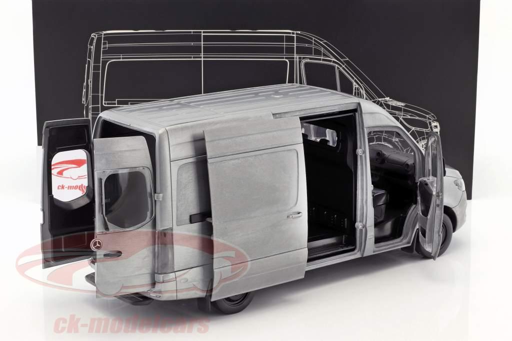 Mercedes-Benz velocista furgone anno di costruzione 2018 aspro edizione argento / grigio 1:18 Norev