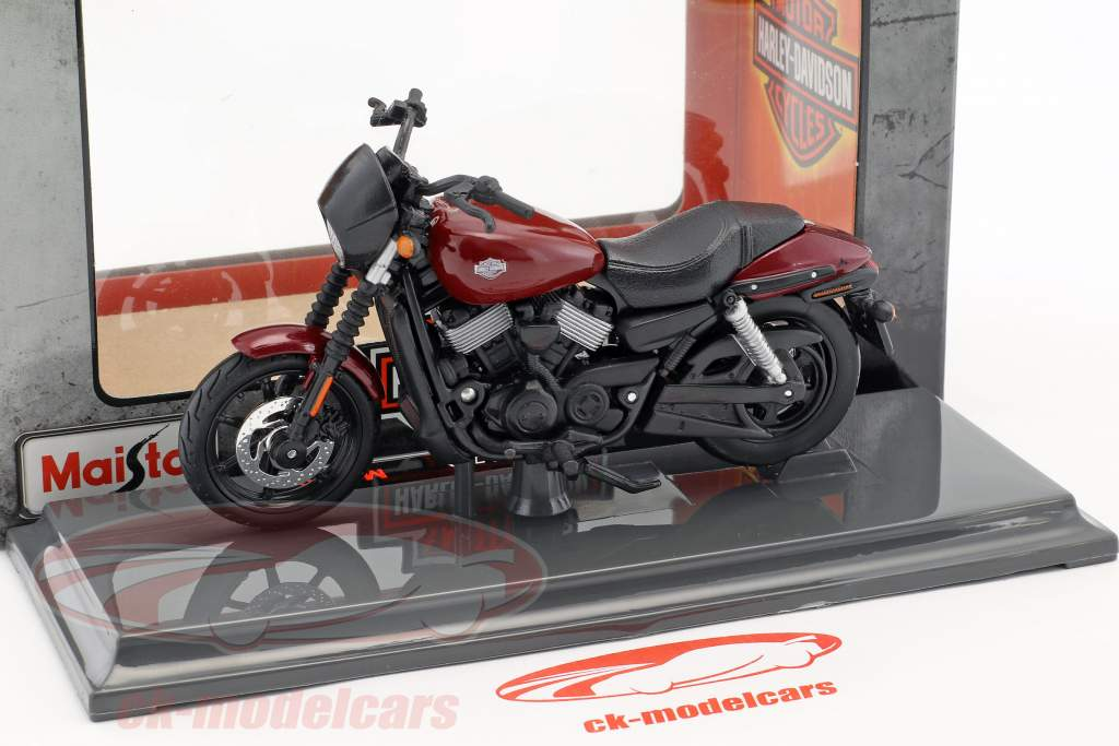 Harley-Davidson HD 15 Street 750 Baujahr 2015 schwarz / rot 1:18 Maisto