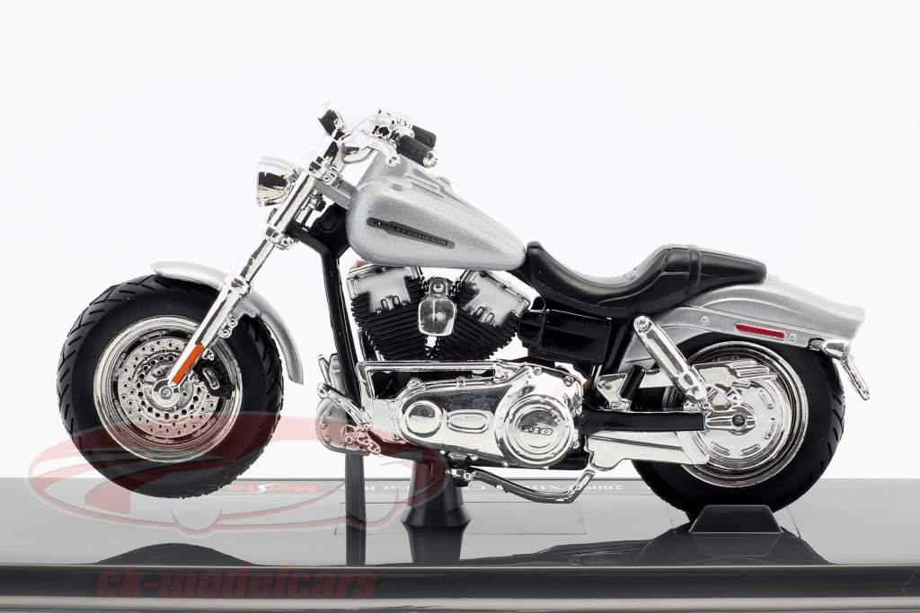 Harley-Davidson FXDFSE CVO Fat Bob ano de construção 2009 prata / preto 1:18 Maisto
