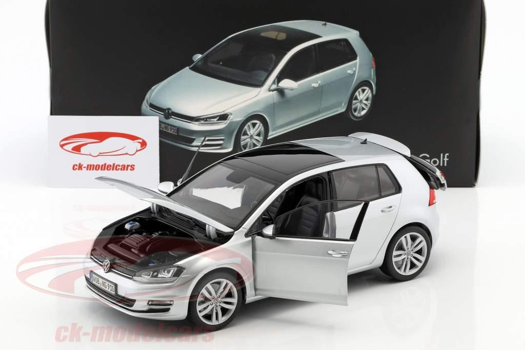 Volkswagen VW Golf VII année de construction 2013 réflexe argent 1:18 Norev