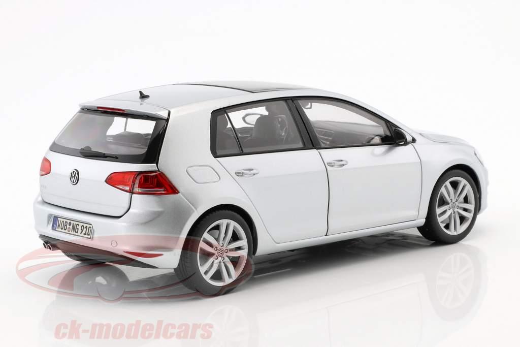 Volkswagen VW Golf VII anno di costruzione 2013 riflesso argento 1:18 Norev