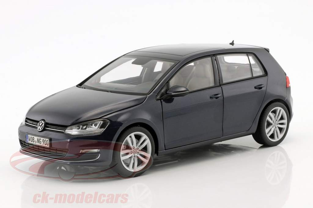 Volkswagen VW Golf VII year 2013 night blue 1:18 Norev