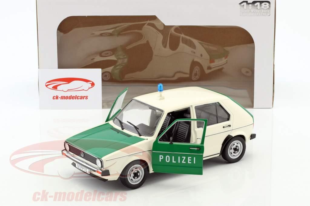 Volkswagen VW Golf Polizei green / beige 1:18 Solido