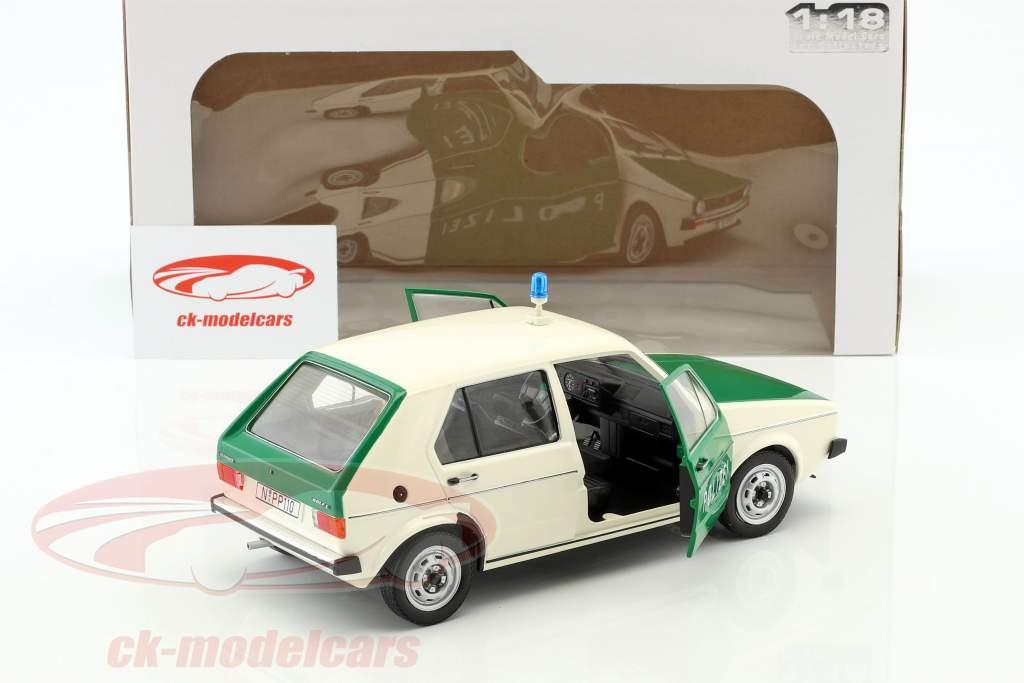 Volkswagen VW Golf Polizei grün / beige 1:18 Solido