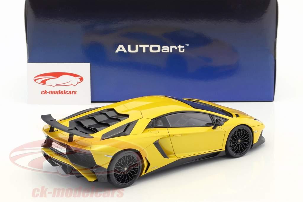 Lamborghini Aventador LP750-4 SV Opførselsår 2015 gul 1:18 AUTOart