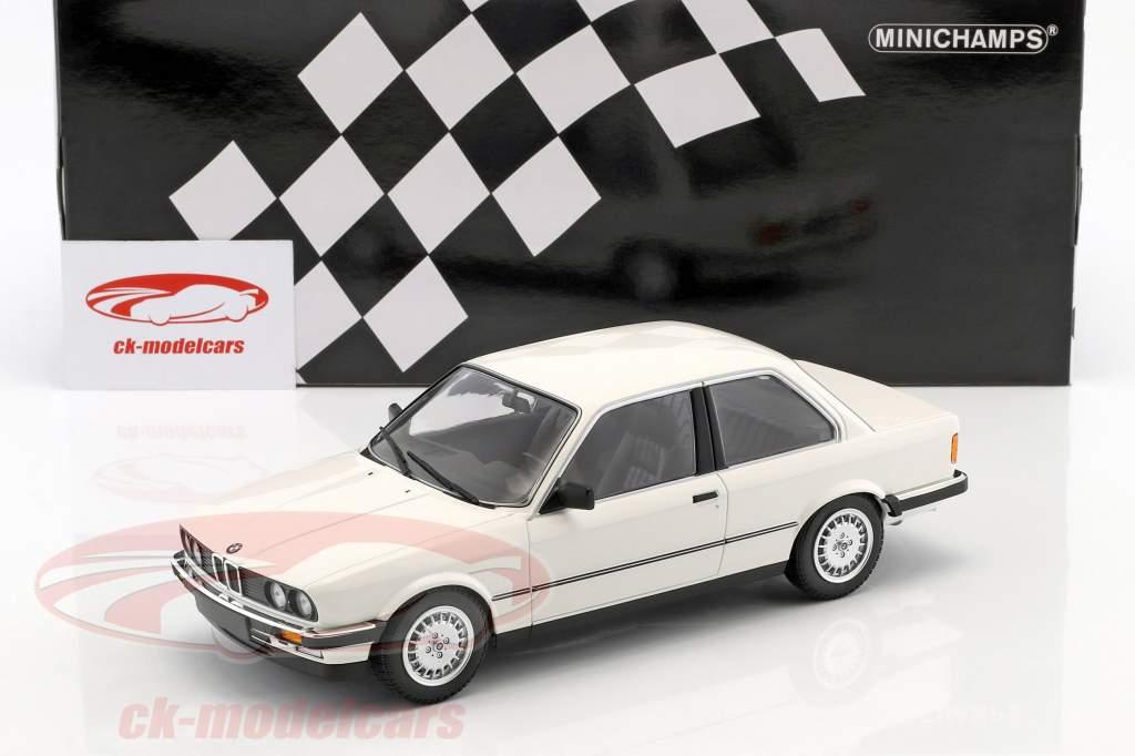 BMW 323i anno di costruzione 1982 bianco 1:18 Minichamps