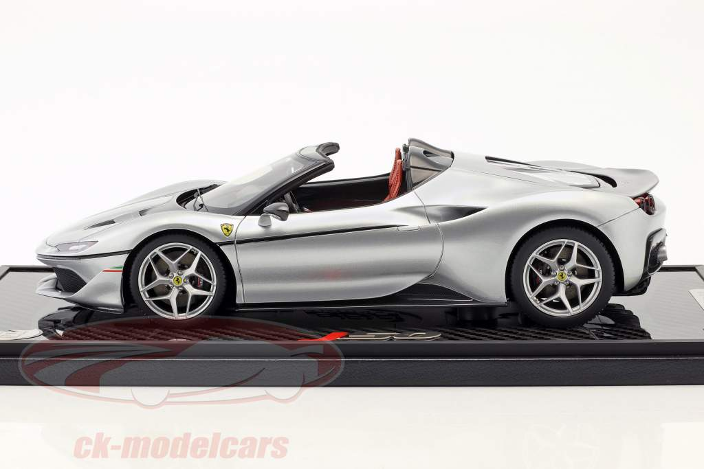 Ferrari J50 roadster année de construction 2016 pur métal argent 1:18 BBR
