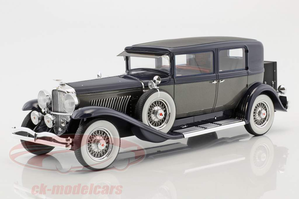 Duesenberg Model J Willoughby Berline  year 1937 black / silver 1:18 Neo