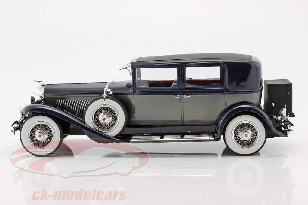 Duesenberg Model J Willoughby Berline année de construction 1937 noir / argent 1:18 Neo
