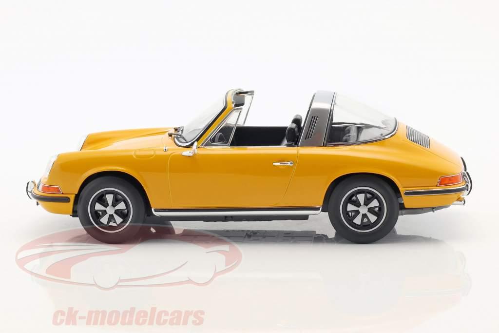 Porsche 911 E Targa anno di costruzione 1969 arancione 1:18 Norev
