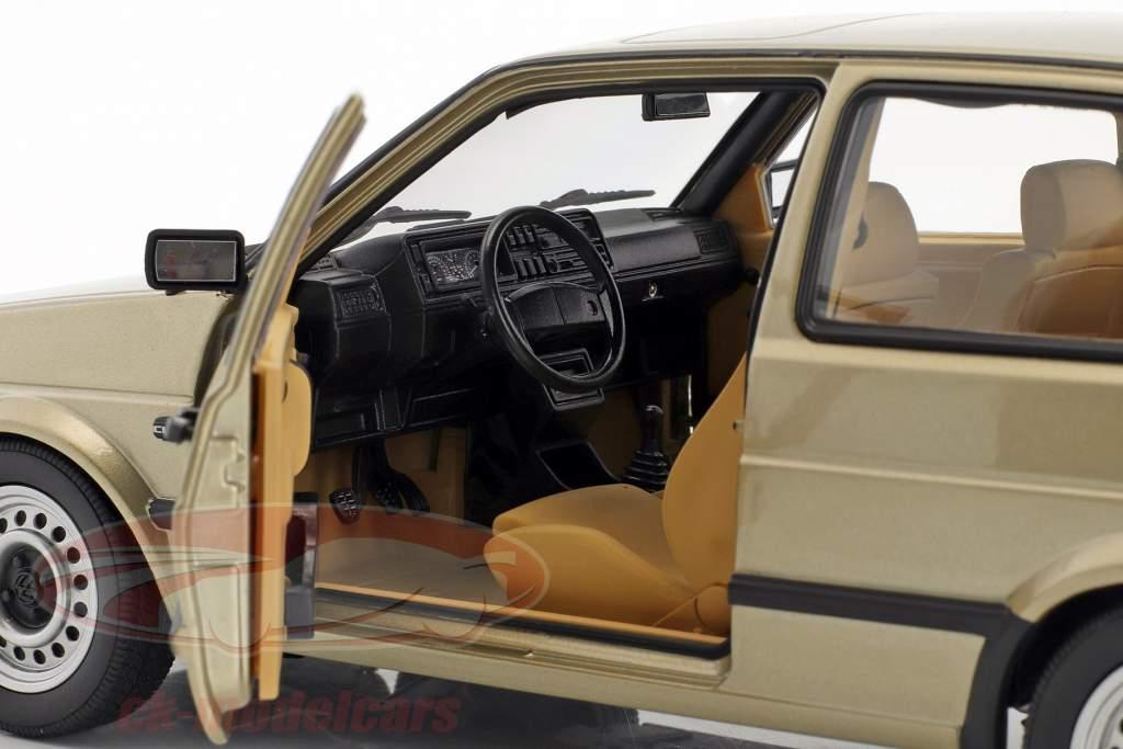 Volkswagen VW Golf II CL Baujahr 1988 beige metallic 1:18 Norev