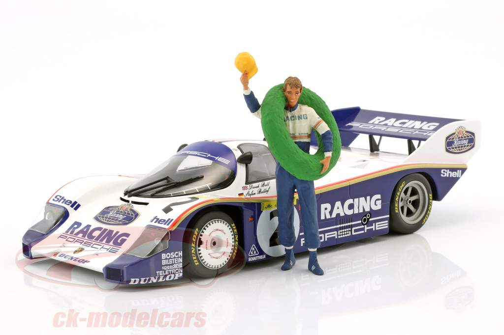 Stefan Bellof Fahrerfigur mit Siegerkranz 1:18 FigurenManufaktur