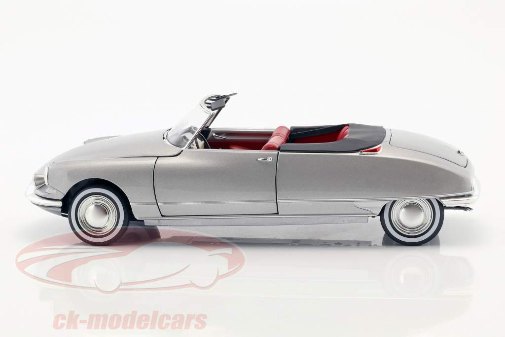 Citroen DS 19 Cabriolet with removable Top year 1961 pearl gray metallic 1:18 Norev