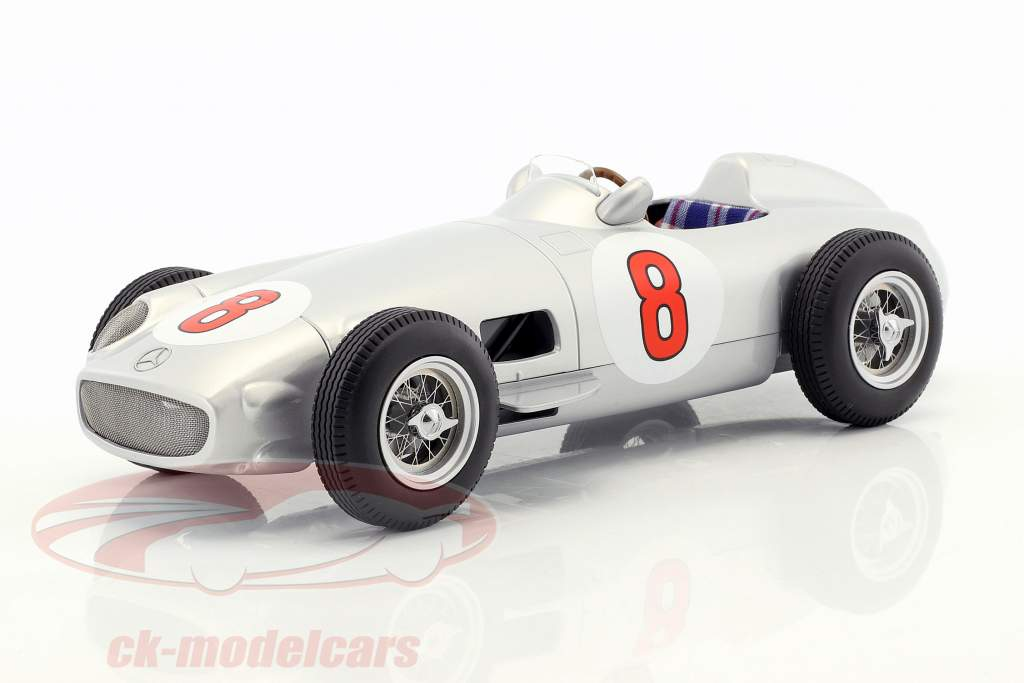 J.-M. Fangio Mercedes-Benz W196 #8 world champion Formula 1 1955 1:18 iScale