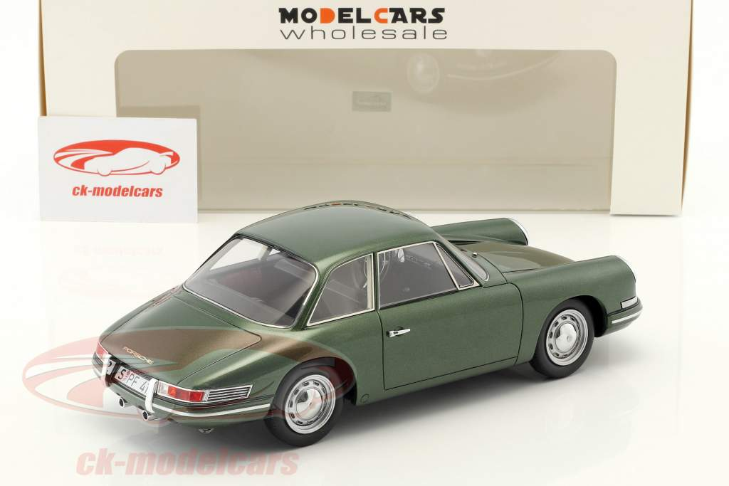 Porsche 754 T7 coupe prototype 1959 green metallic with showcase 1:18 AutoCult